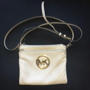 Crossbody handbag, used.